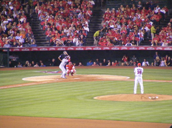 weaver pitches to martinez.JPG